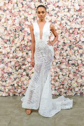 michael-costello-spring-summer-2018-bridal-couture-collection-plunging-neckline-sheer-skirt