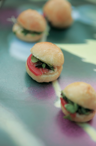 mini-sandwich-appetizer-at-wedding-with-tomato-and-mushroom