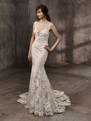 badgley-mischka-bride-collection-2017-aubree-wedding-dress-lace-embroidery-illusion-plunging-neck