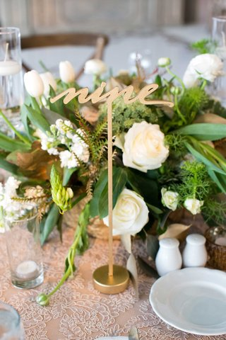 wedding-reception-demarco-murray-gold-table-number-lasercut-with-low-centerpiece
