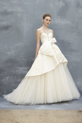 amsale-fall-2018-tulle-ball-gown-silk-taffeta-tier-and-bodice-crystal-brooch-detailing-at-waist