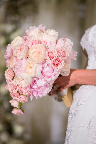 wedding-bouquet-with-garden-rose-and-pink-peony