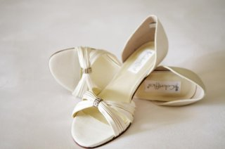 ivory-satin-bridal-shoes-without-a-heel