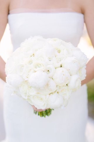 ivory-bouquet-all-white-bouquet-white-peonies-white-roses-rose-peony