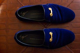 midnight-blue-mens-velvet-slippers-gold-buckle-grooms-shoes