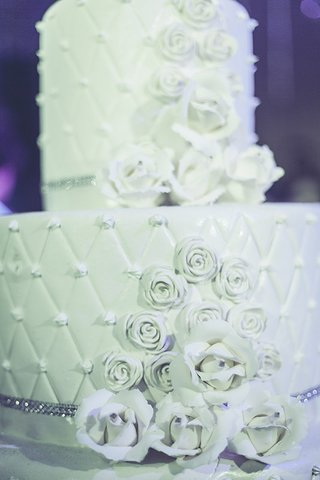 white-wedding-cake-detailed-pillow-pattern-crystals-jewels-icing-destination-wedding-morocco-opulent