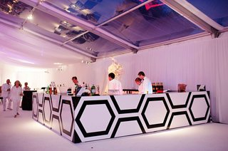 wedding-bar-with-custom-black-and-white-hexagon-design