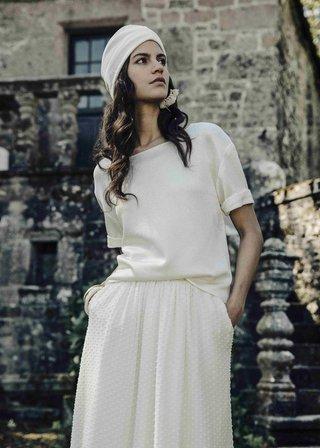 laure-de-sagazan-2017-collection-peguy-flamant-blouse-quarter-length-sleeves-jewel-neck-skirt-dotted