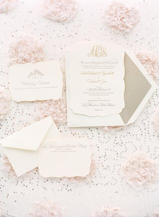 champagne-hued-liner-and-embossed-cards