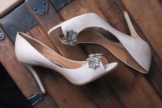 badgley-mischka-pumps-with-leaf-crystal