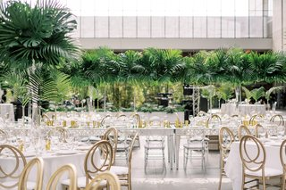 wedding-reception-cleveland-museum-of-art-centerpieces-designed-by-heatherlily-gold-lucite-chairs