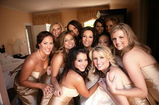 bride-and-friends-in-hotel-room