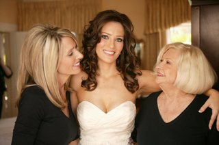 bride-with-mother-and-grandmother