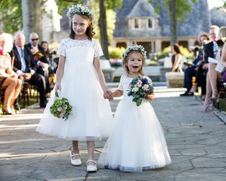 flower-girls-in-short-sleeve-tulle-dresses-babys-breath-flower-crown-small-bouquet-nosegay