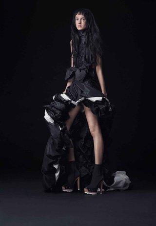 vera-wang-bride-fall-2016-black-high-low-wedding-dress-with-bubble-skirt