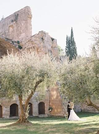 wedding-portrait-at-old-abbey-orvieto-umbria-italy-destination-wedding-venue-ideas