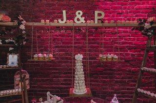 pia-toscano-american-idol-jimmy-ro-smith-jennifer-lopez-wedding-dessert-garden-swing-cupcakes-j-p