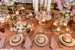 wedding-inspiration-spring-tablescape-purple-napkin-gold-design-and-name-instead-of-place-card