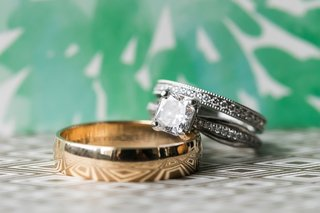 princess-cut-diamond-engagement-ring-pave-wedding-ring-with-milgrain-detail-plain-yellow-gold-band