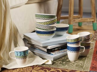 villeroy-boch-gifts-blue-white-and-yellow-patterned-detailed-porcelain-cups