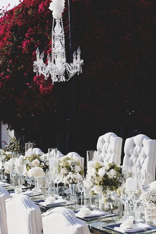 brittney-palmer-and-aaron-zalewskis-wedding-table