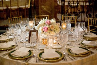 pink-and-ivory-roses-for-small-centerpiece-gold-rimmed-chargers