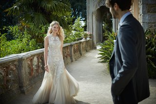 ivory-needle-thread-wedding-dress-with-tulle-skirt