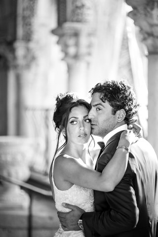 black-and-white-photo-of-bride-and-groom-destination-wedding-in-palm-beach-dramatic-portrait