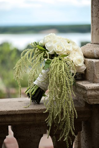 white-and-ivory-roses-with-green-amaranthus-for-bouquet