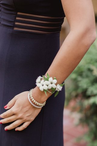 southern-wedding-house-party-corsage-stephanotis-blossoms
