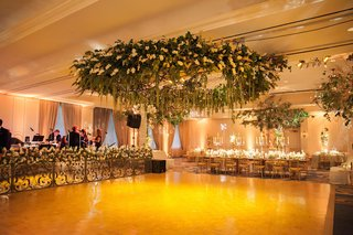 mirror-wedding-band-stage-and-flower-ceiling-installation-over-dance-floor