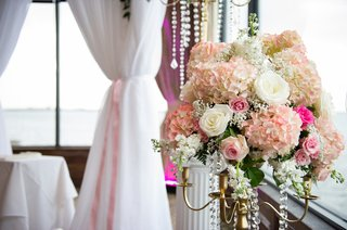 hydrangeas-and-roses-on-gold-candelabrum