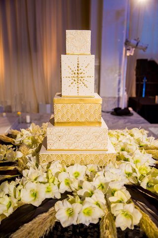 wedding-cake-with-square-tiers-and-gold-detailing-inspired-by-1920s-architecture