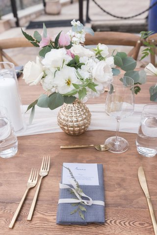 wedding-reception-wood-table-white-runner-gold-vase-white-pink-flowers-roses-eucalyptus-gold-forks