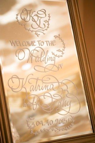 welcome-sign-large-mirror-calligraphy-katrina-wedding-professional-white-gold-california-modern