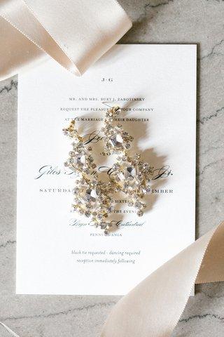 gold-chandelier-earrings-with-emerald-cut-diamonds