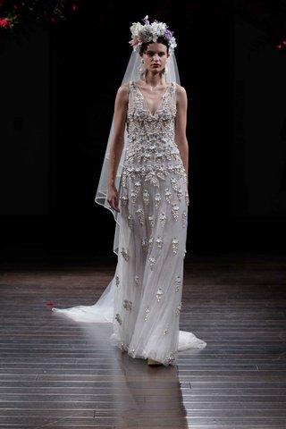 v-neck-wedding-dress-by-naeem-khan-fall-2016