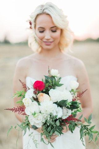 bouquet-white-red-green-various-blooms-rustic-boho-chic-cascading-styled-shoot-california-wedding