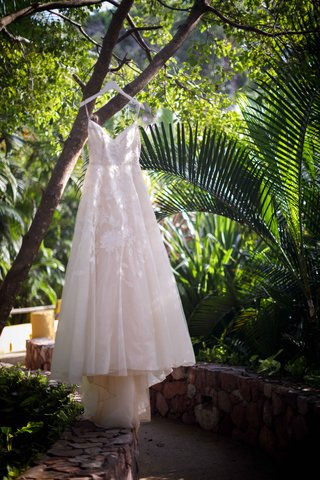 embroidered-a-line-ballgown-tulle-haning-jungle-lela-rose-wedding-styled-shoot-punta-mita-mexico