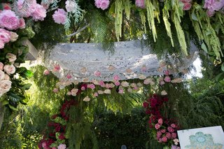 wedding-ceremony-jewish-pink-white-rose-flowers-hanging-from-canopy-amaranthus-pink-rose