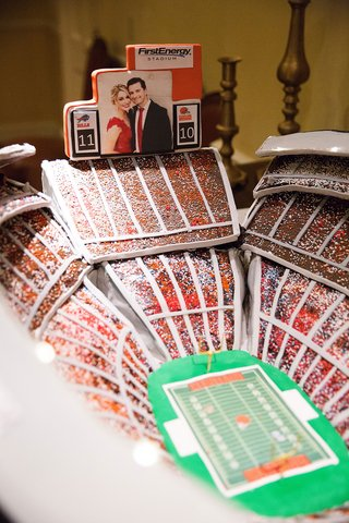 cleveland-browns-football-stadium-grooms-cake-with-couples-engagement-photo-on-jumbotron