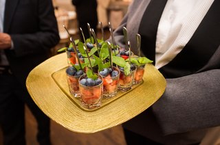 wedding-cocktail-hour-strawberries-blueberries-mint-leaves