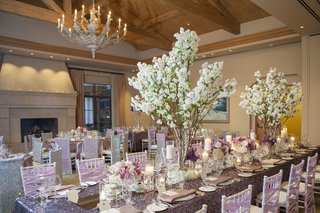 exposed-wooden-beams-and-purple-tablescapes