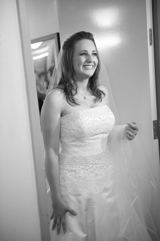 black-and-white-photo-of-bride-getting-ready