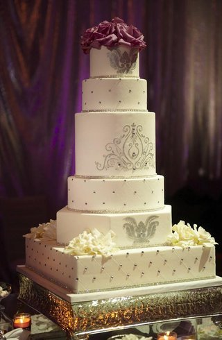 white-wedding-cake-with-silver-details-and-rhinestones