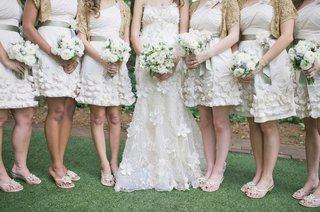 bridesmaids-in-short-dresses-with-white-and-blue-bouquets