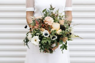 wedding-bouquet-white-anemone-red-green-verdure-white-flowers-peach-blooms-berries