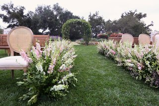 san-ysidro-ranch-ceremony-seating-pink-stock-flowers