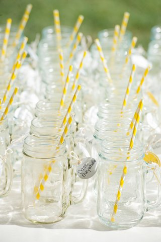 escort-card-alternative-with-glasses-and-yellow-straws