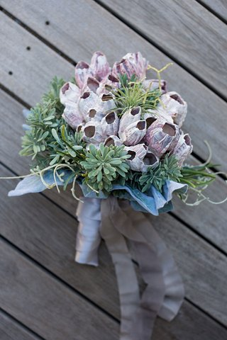 bridesmaid-bouquet-with-barnacle-cluster-coastal-succulent-greenery-ribbon